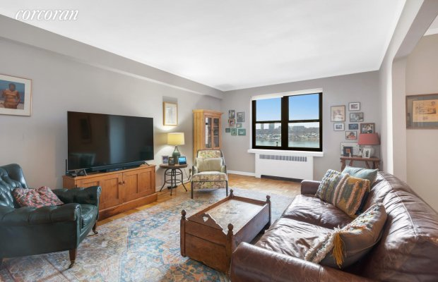 159-34 RIVERSIDE DRIVE WEST
